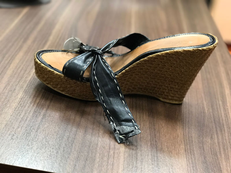Schuhservice-kleben